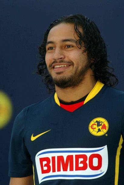 Raúl Alvin Medoza quien fuera jugador del América por cuatro años disput...
