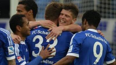 Huntelaar marcó un triplete ante el Hamburgo.