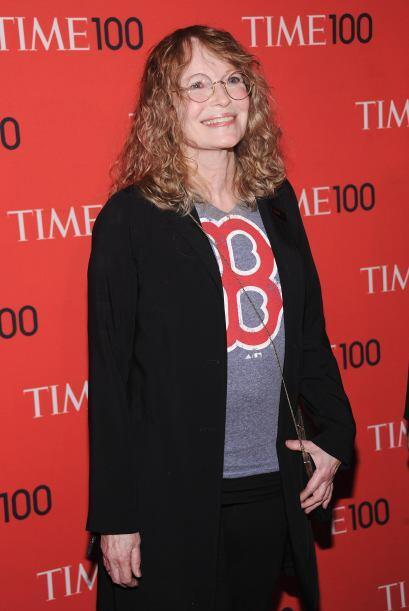 La legendaria actriz Mia Farrow llamó la atención debido a...