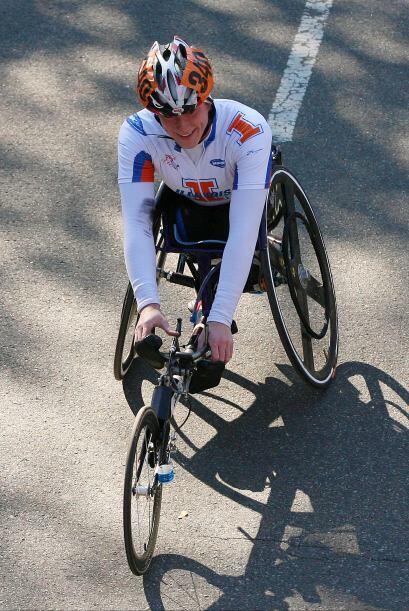La estadounidense Tatyana McFadden logró la victoria en la rama femenil.