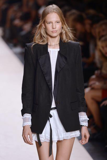 Blazer: Es una de las prendas favoritas de las mujeres que buscan darle...