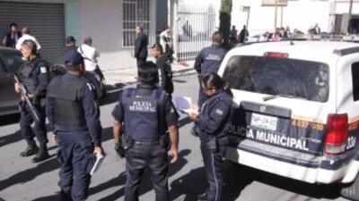 Aunque al lugar acudieron autoridades estatales y locales para rescatar...
