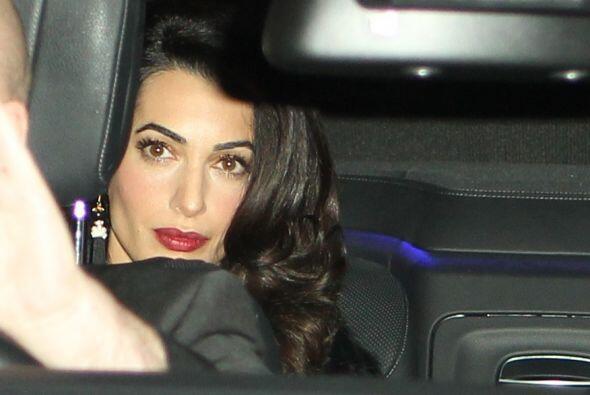 Amal lucía espectacular.