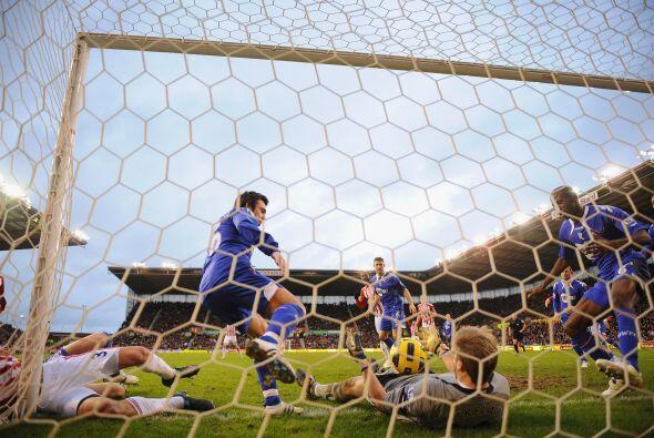 El segundo tanto lo marcó Etherington de tiro penal. Stoke City s...