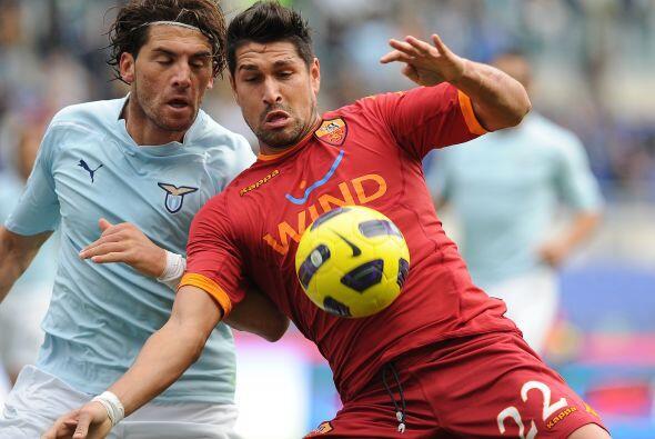 Por su parte, el líder Lazio recibió a la Roma en el 'derb...