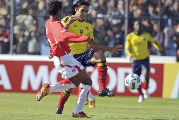 Difícil partido para Radamel Falcao, quien jugó fuera del área la mayor...