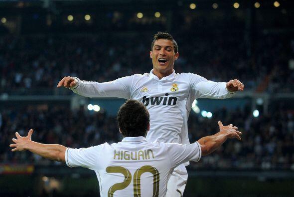 Con ese tanto, CR7 llegó a los 100 goles con la camiseta 'merengue'.