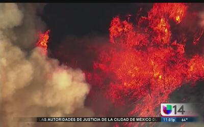 Miles son evacuados por incendios en California