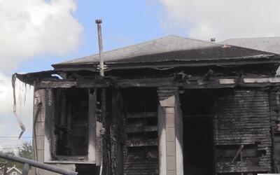Una menor de un año murió durante el incendio de su vivienda durante la...