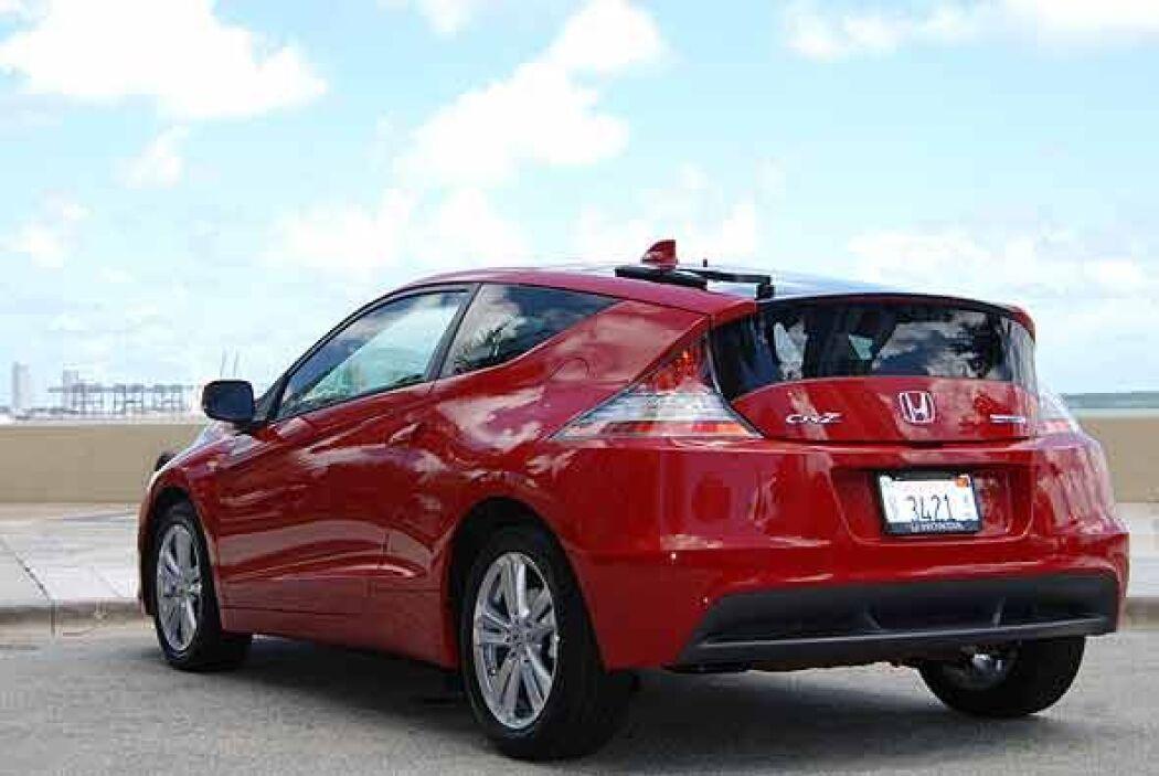 La novedad de este auto es el motor eléctrico que asiste en la aceleraci...