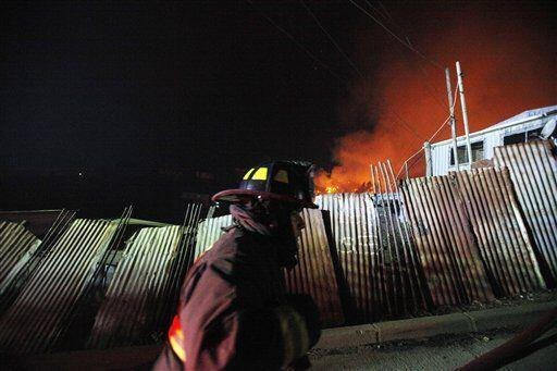 Unas 400 viviendas se encontraban en riesgo de ser consumidas por las ll...