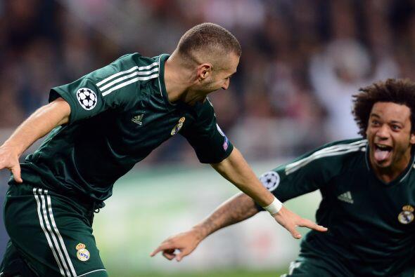 Apenas arrancaba la segunda parte, el galo Karim Benzema amplió el resul...