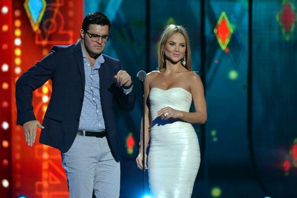 Al escenario llegaron Paul Stanley y  Ximena Córdoba para presentar la c...