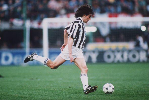 Alessandro nació en la provincia italiana de Treviso el 9 de novi...