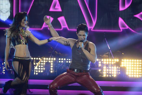 En la gala 4, Fer formó parte del homenaje a Ricky Martin.