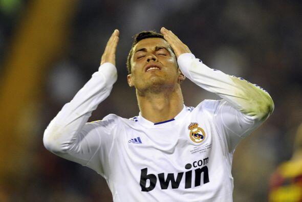Cristiano Ronaldo pasaba más problemas para tener el balón en la zona ba...