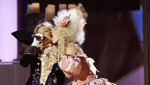 OMG! En 2006 Thalía vibró al extremo con esta atrevida presentación.