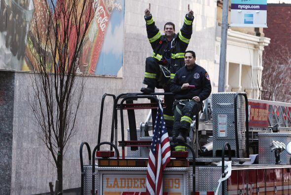 Correspondió a unos héroes de todos los días, los bomberos de NY, ceder...