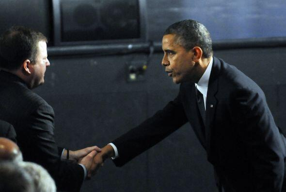 Obama, quien se reunió en privado con los familiares de los niños asesin...