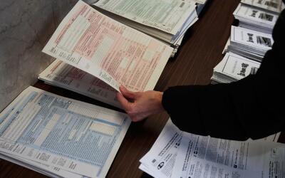 ¿No ha declarado impuestos por falta de dinero? Vea dónde lo pueden ayudar