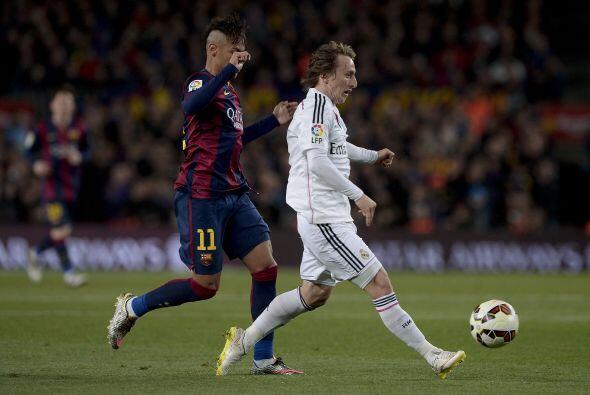 Modric (7): Su presencia cambia el fútbol del Real Madrid. Se adueñó del...