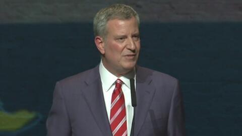 Con promesas sobre empleo y vivienda, el alcalde de Nueva York presentó...