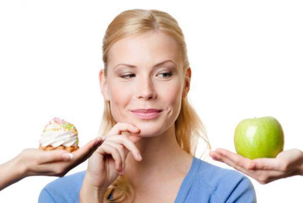 También debes tener una alimentación saludable. Elabora co...