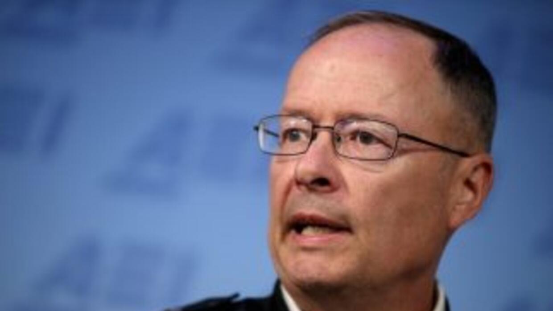 Alexander, que también es la cabeza del cibercomando de EEUU, les dijo q...