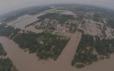 Imágenes de la histórica crecida del río Brazos en Texas