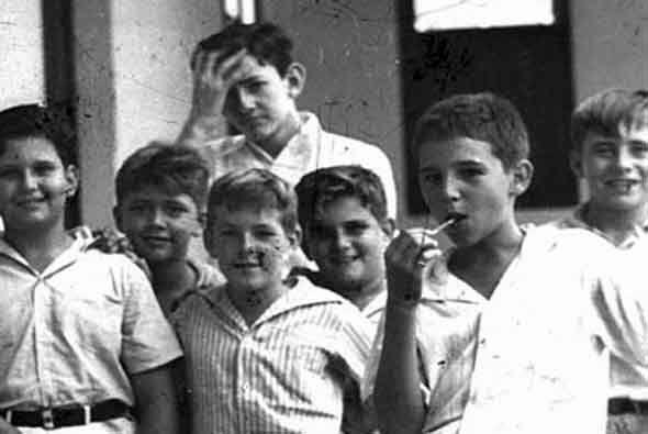 En 1942 Castro ingresó a la institución jesuita Colegio Belén, de La Hab...