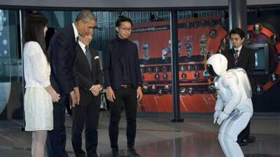 """""""Cascarita futbolera"""" entre Obama y un robot"""