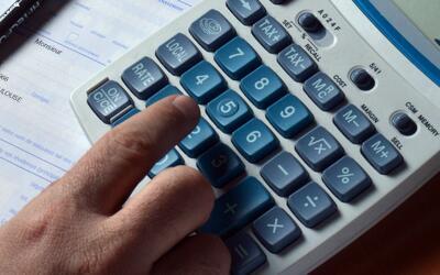 ¿Por qué se van a atrasar algunos reembolsos del IRS tras la temporada d...