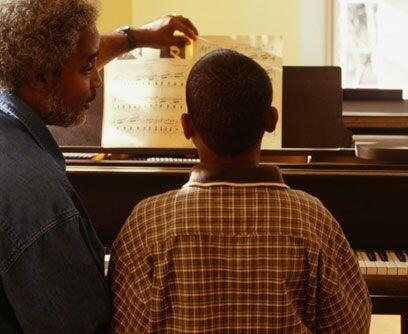 MÚSICA. La música en la vida de un joven puede incrementar su desarrollo...