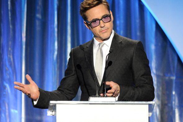 El carismático actor Robert Downey, Jr., no solo brilla en las ci...
