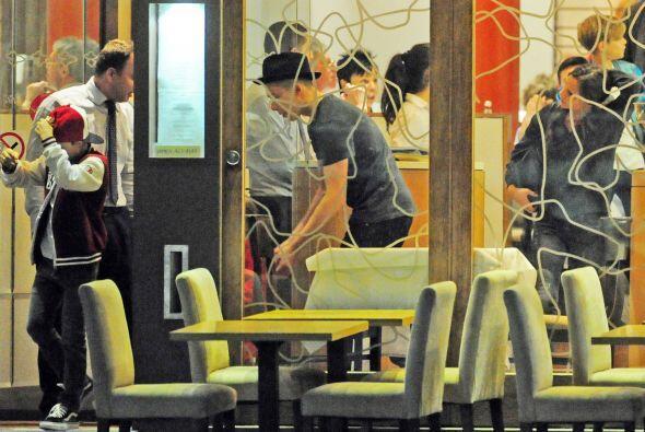 ¡Cómo han crecido los varones Beckham! Sí que le siguen muy de cerca los...