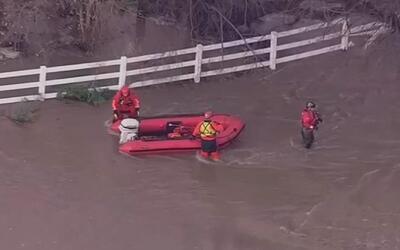 Continúan las labores de rescate y limpieza en el oeste de EEUU luego de...