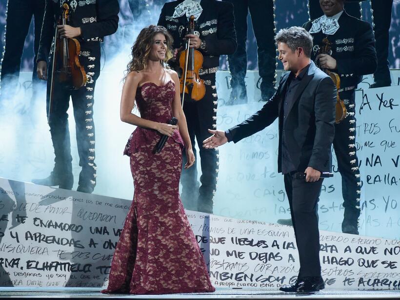 Alejandro Sanz y Paula Fernández sorprendieron con la interpretan de 'A...