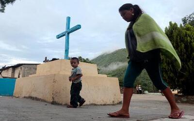 Familias salvadoreñas abandonan sus hogares por la violencia