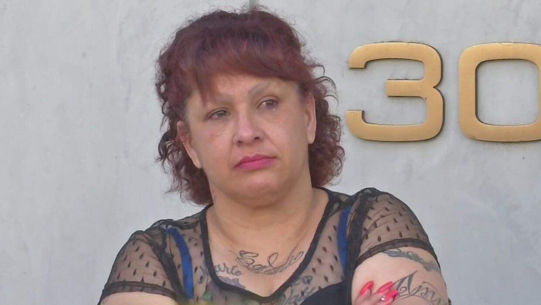 Tras seis meses encarcelada en California, una abuela se enfrenta a una...