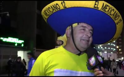 ¿Un aficionado 'mexicano' apoyando a Las Palmas en el juego ante Real Ma...