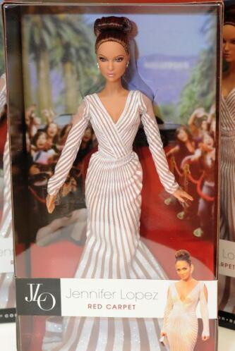 ¡Las curvas de Jennifer López ya forman parte de la colección exclusiva...