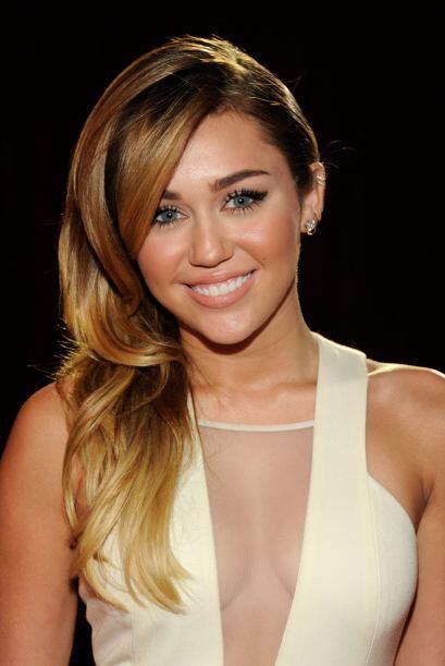 Creo que ya sabemos en qué momento Miley decidió raparse la mitad de sus...