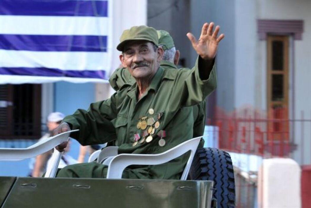 Un soldado veterano participa en la reedición simbólica de los 55 años d...