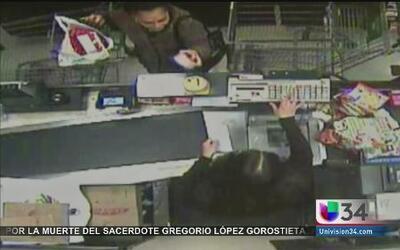 Buscan asesino que apuñalo fatalmente a hispana