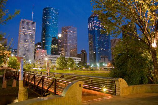 HOUSTON - SUGAR LAND - BAYTOWN, TEXAS  Número de empleos en 2013:...