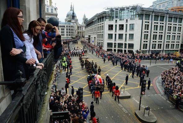 Cientos de personas se agolparon desde primera hora del miércoles en los...