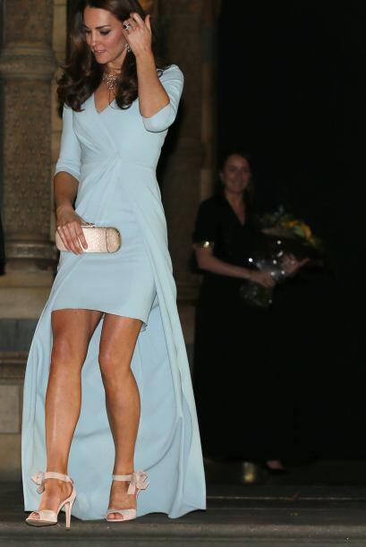 La prenda que fue protagonista de la noche, fue nada menos un vestidocor...