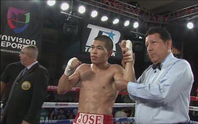 José Félix Jr venció por KO técnico a Alejandro Rodríguez en el sexto as...