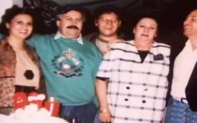 El hijo de Pablo Escobar acusa a sus tíos de retener 8 millones de dólar...