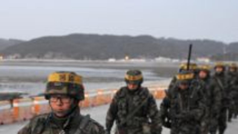 Corea del Sur anunció maniobras militares en a isla de Yeonpyeong, que d...